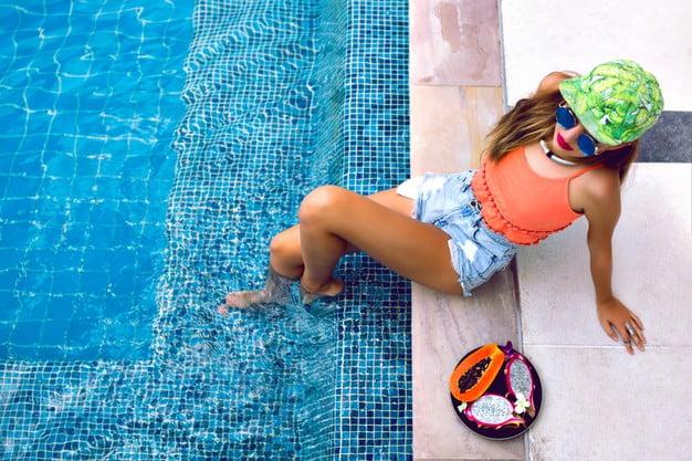 Benefits Of A Swim-Up Bar